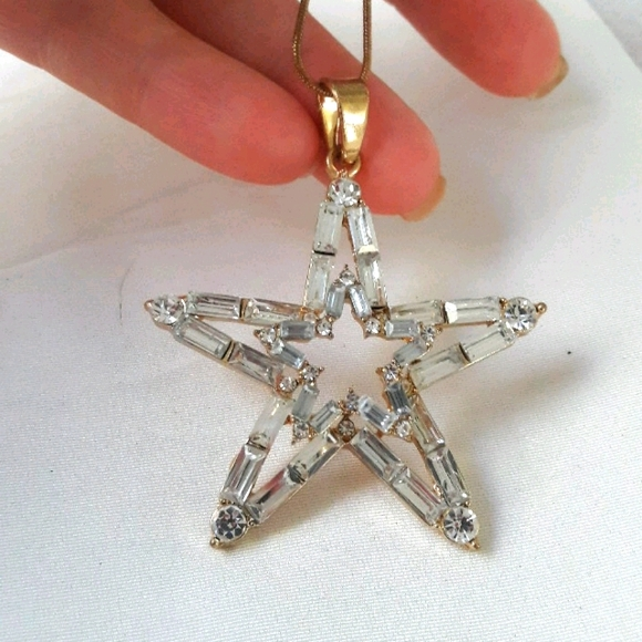 """Beautiful star necklace on 30"""" chain"""